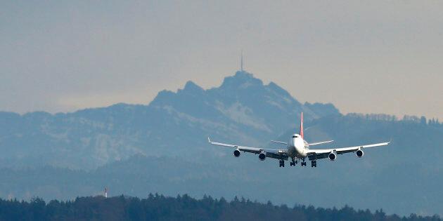 A Cargolux Boeing 747 cargo aircraft  transporting the Solar Impulse 2 aircraft  / Arnd Wiegmann / Reuters