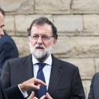 Felipe VI, Mariano Rajoy et Carles Puigdemont